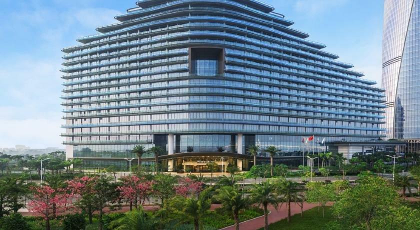 酒店邻近澳门环岛游横琴岛游,周边环境清雅,旅游交通便利.